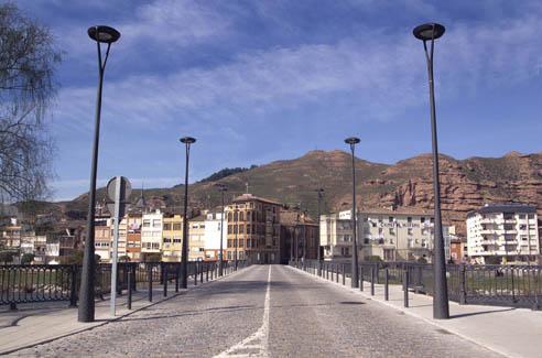 Vista de Nájera sobre el puente